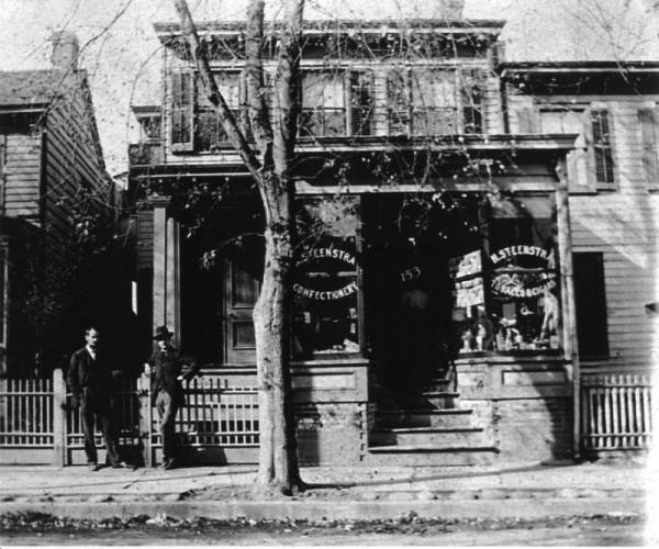 De winkel van Klaas Stienstra in Paterson